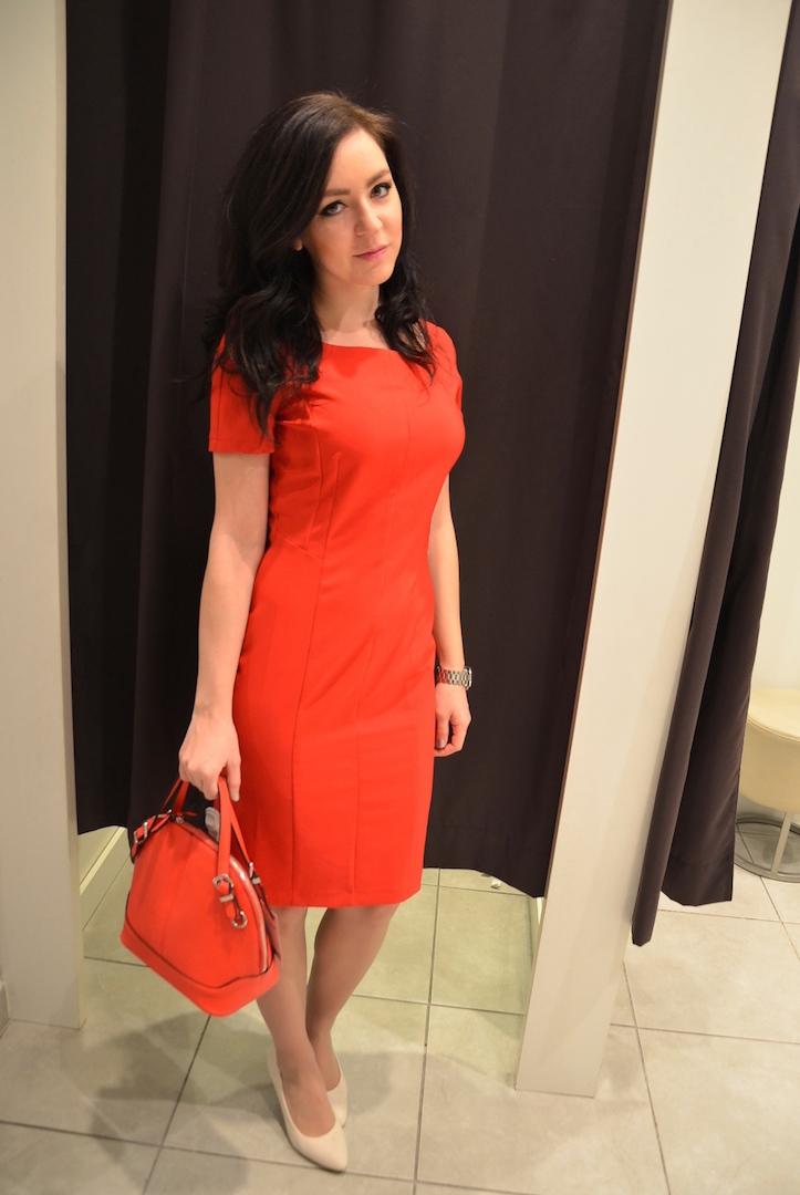 VYBERÁME V ORSAY. Outfit 1  Červené šaty ... 26c11ffbec6